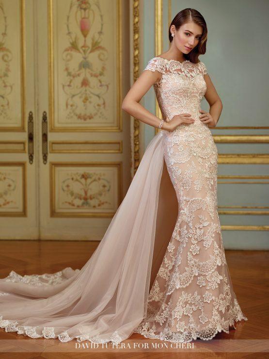 Закрытое кружевное свадебное платье русалка