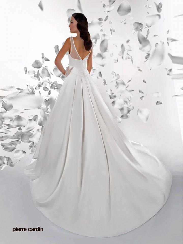 Закрытое свадебное платье Pierre Cardin атласное арт.7404