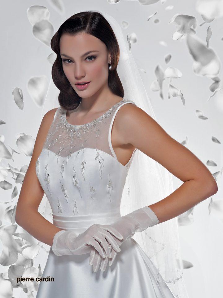 Расшитое свадебное платье Pierre Cardin атласное арт.7404