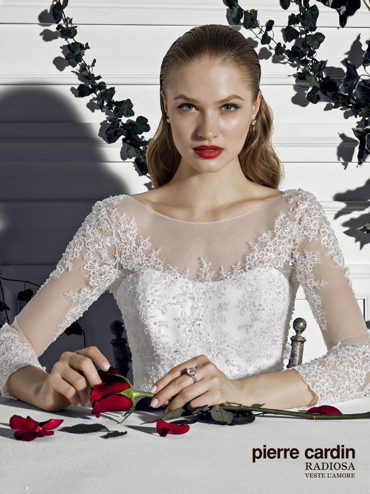 Свадебное платье пышное расшитое с рукавами Pierre cardin открытая спинка (арт.8654)