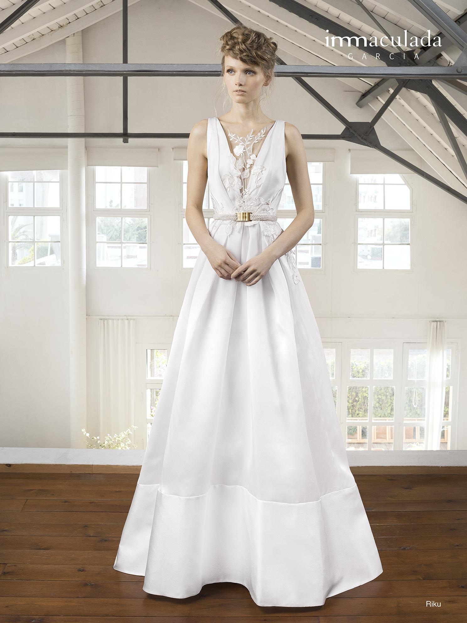 Свадебное платье с кружевом Inmaculada Garcia Испания