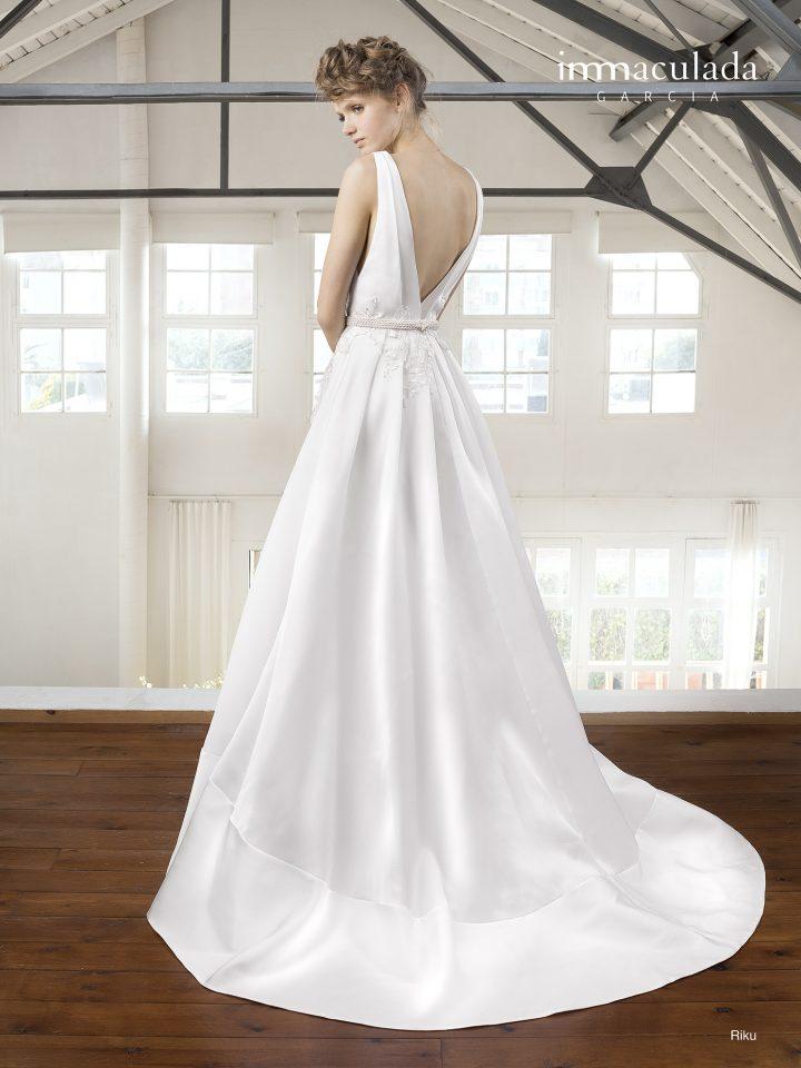 Свадебное платье а-силуэтное с кружевом Inmaculada Garcia Испания